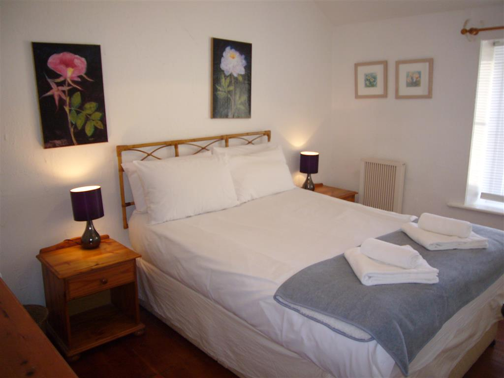 04) Porthia Cottage -  Bedroom 1