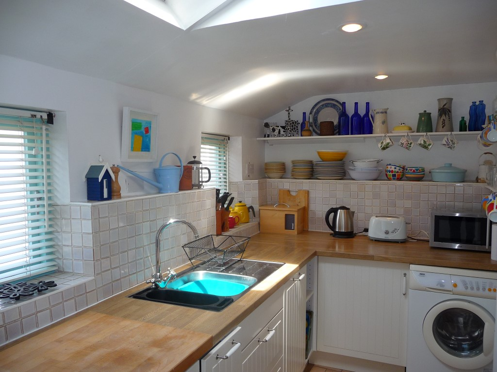 09) 9 Bowling Green Terrace -  Kitchen