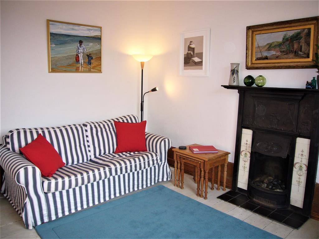 09) 9 Bowling Green Terrace -  Sitting room