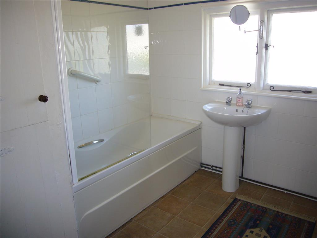 13) Stratton Vow -  Bathroom