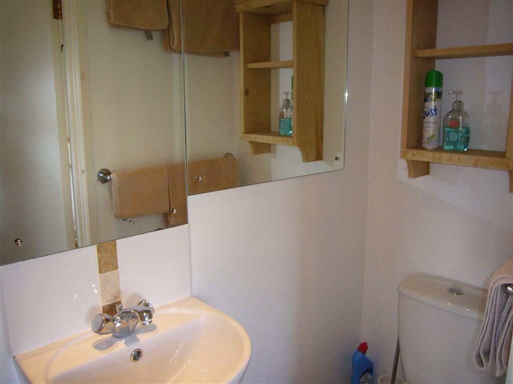 13) Stratton Vow -  Ensuite to bedroom 2