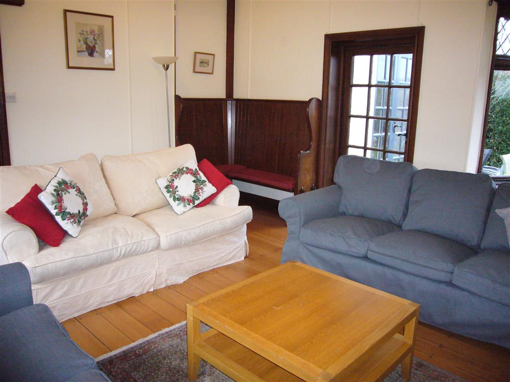 13) Stratton Vow -  Sitting room