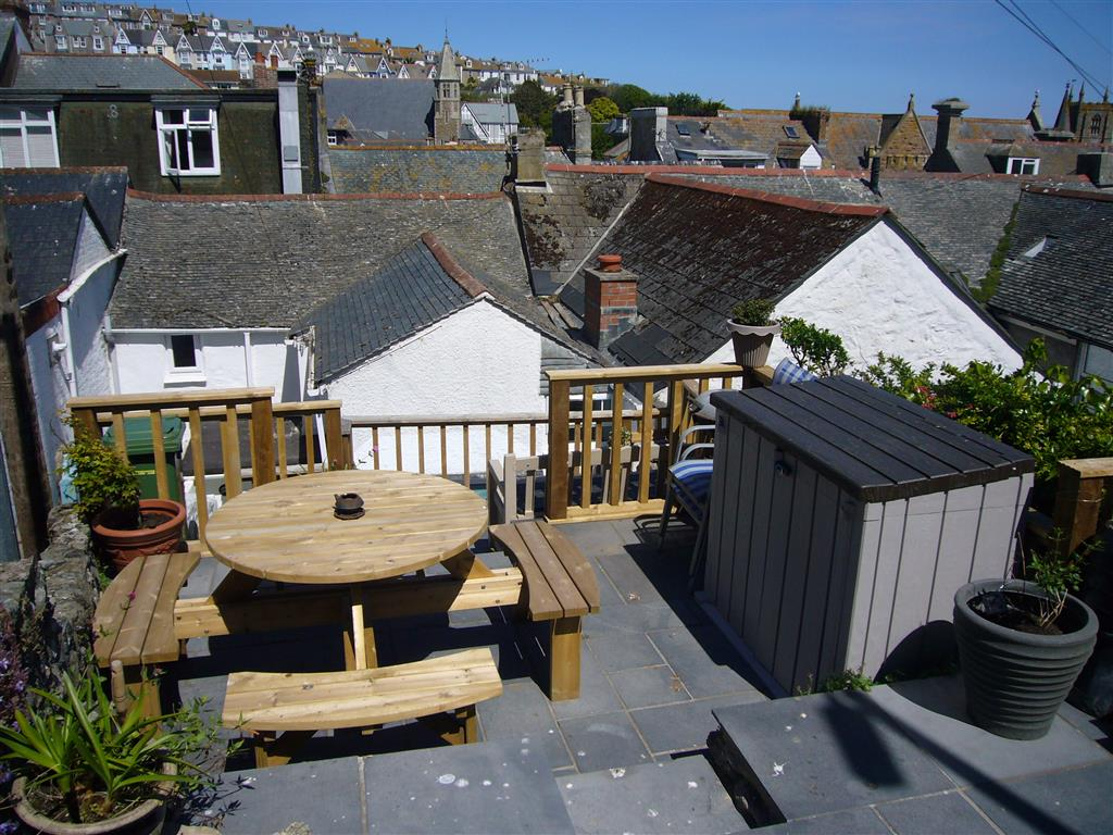14) Treholme -  Patio areas
