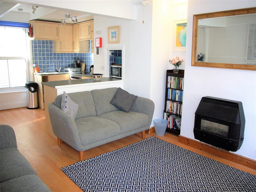 23) 6 Church Place -  Open plan living room