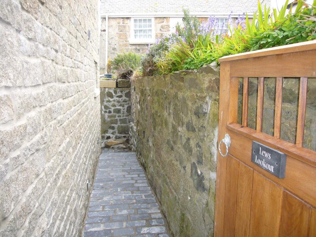 26) Lews Lookout -  Exterior