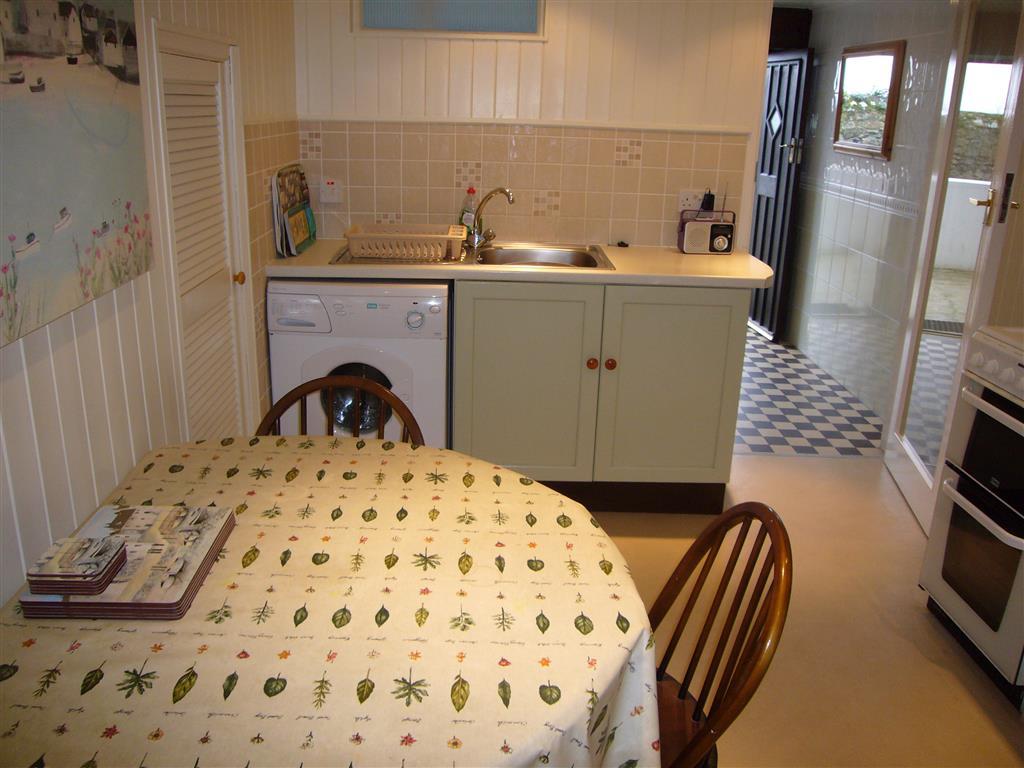 32) Tregurtha -  Sitting room