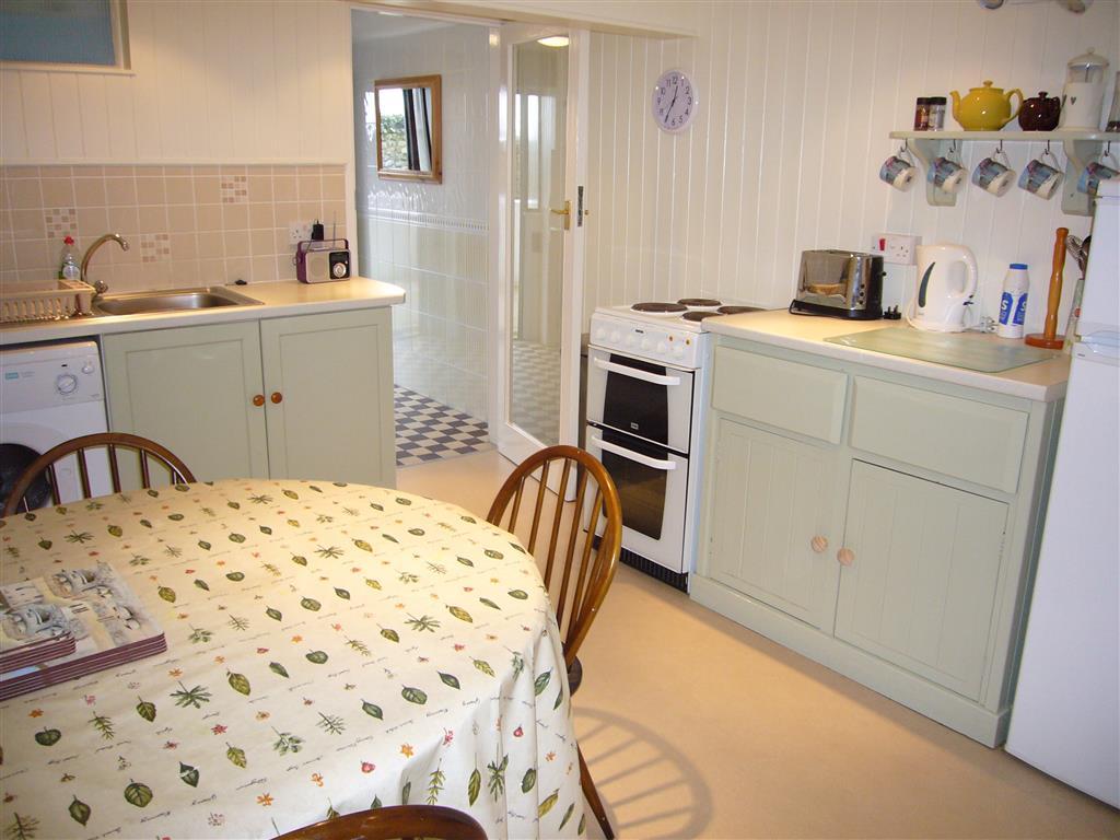 32) Tregurtha -  Kitchen
