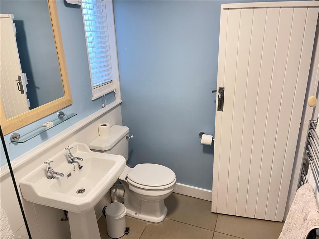 33) Norway House Studio -  Bedroom 1