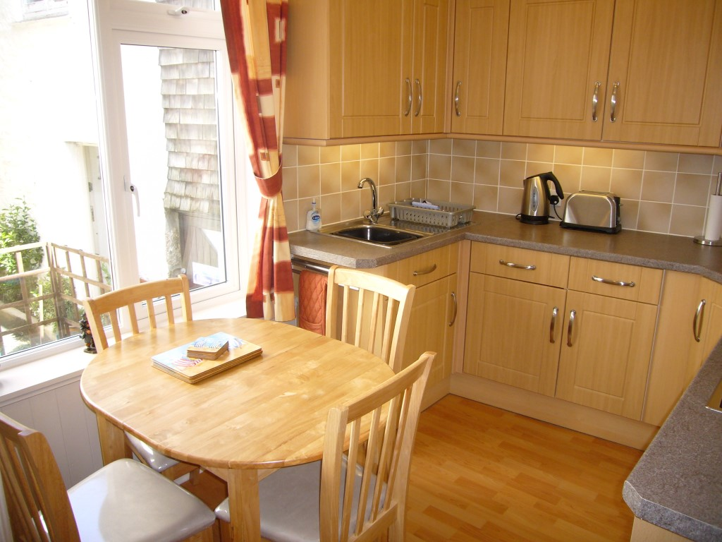 41) Upper Seaview -  Kitchen