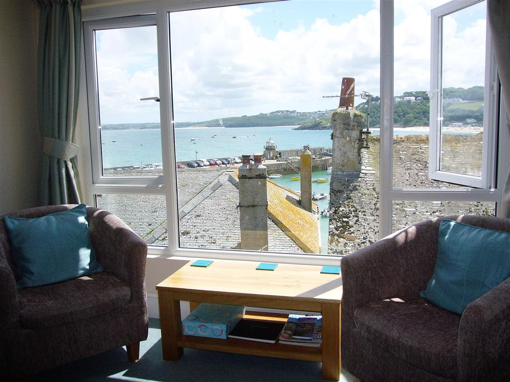 41) Upper Seaview -  Sitting room view