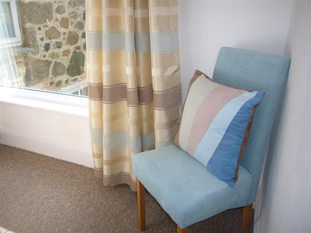 42) Lower Seaview -  Main bedroom