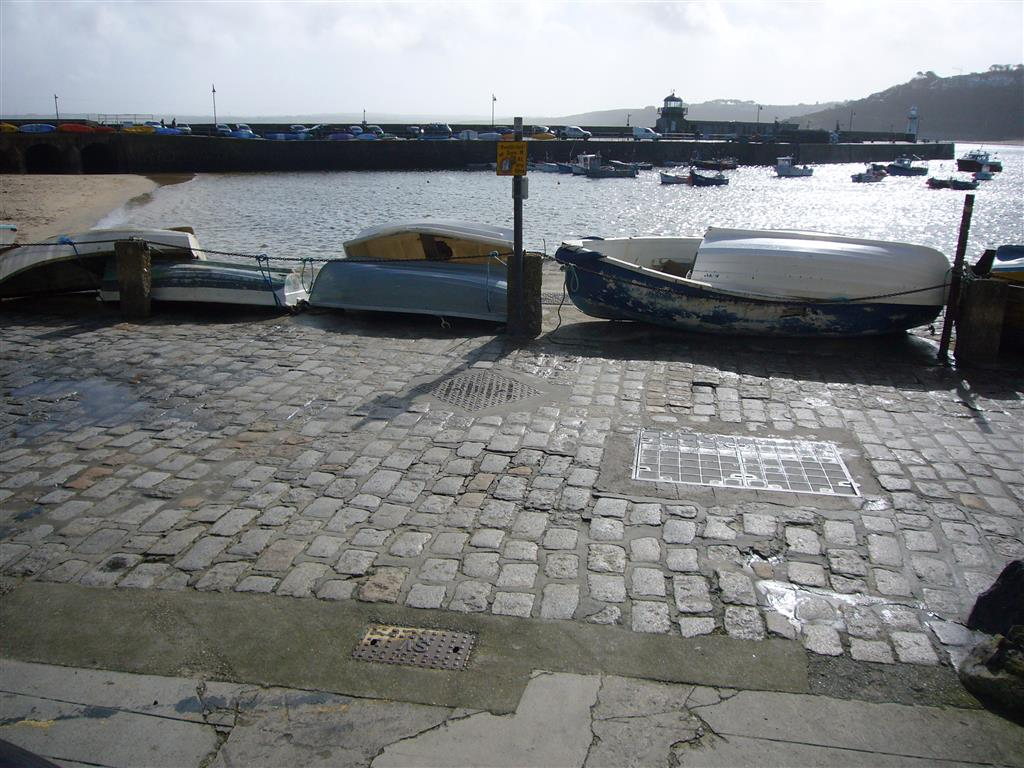42) Lower Seaview -  Metres from the front door to the harbour