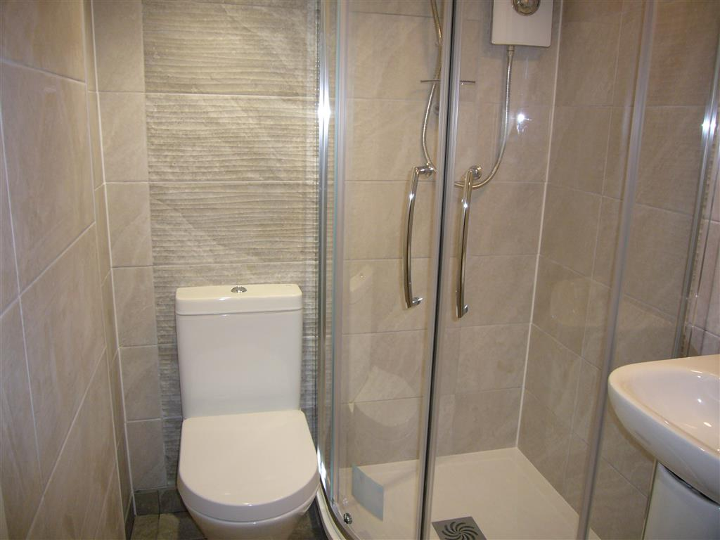 20) Howards Way -  New shower room