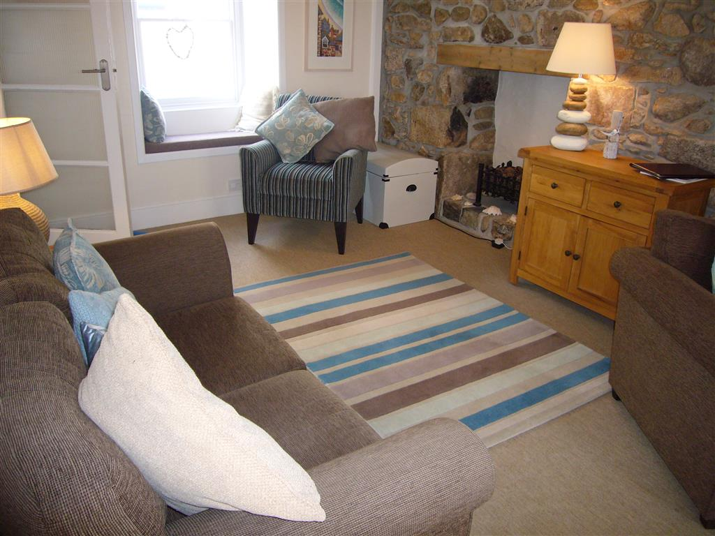 20) Howards Way -  Sitting room
