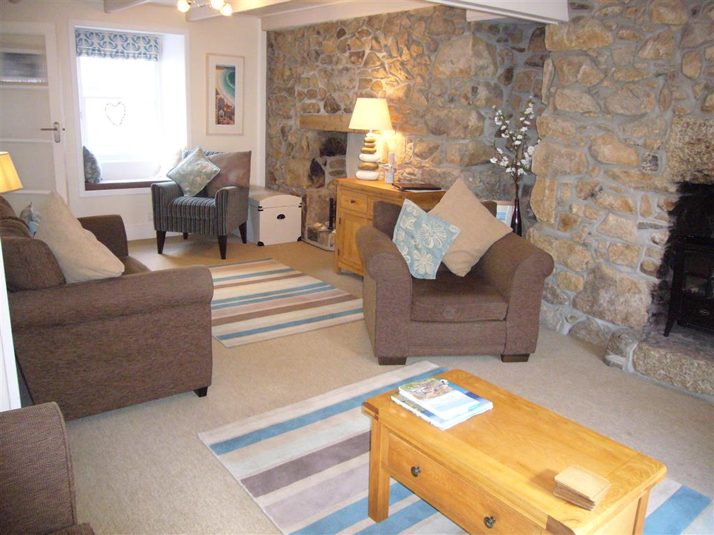 20) Howards Way -  Sitting room