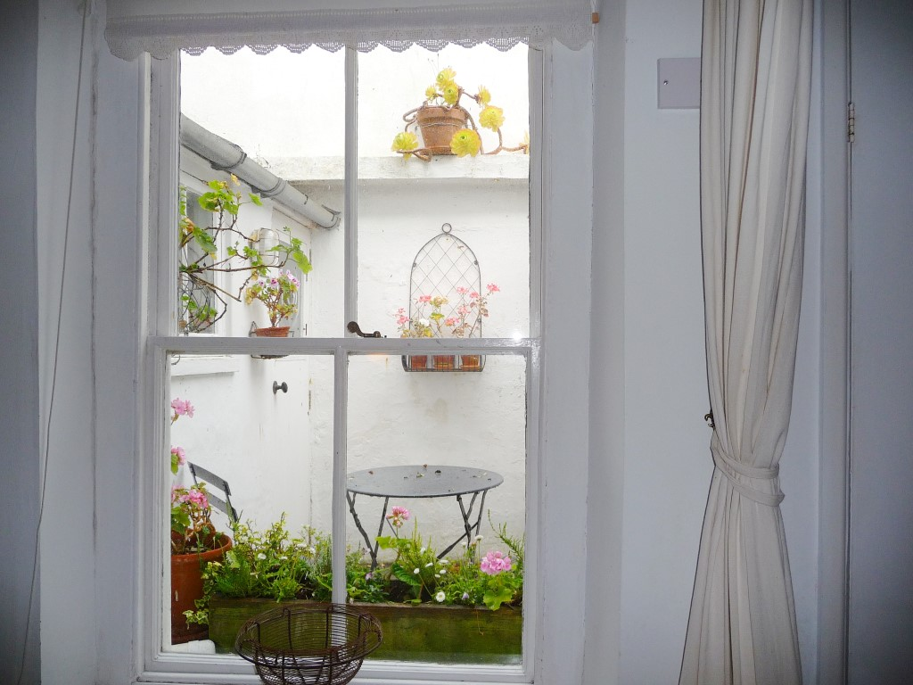 48) 9 Mount Pleasant -  Sitting room