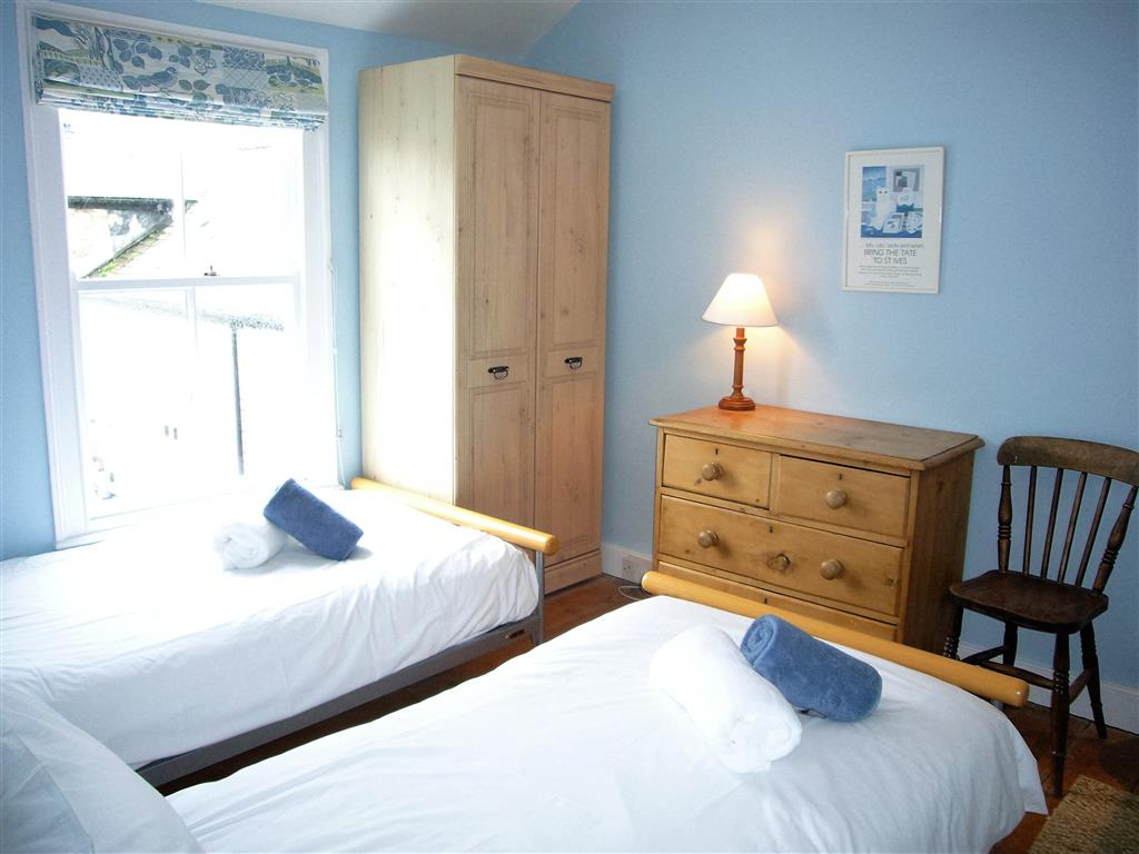 48) 9 Mount Pleasant -  Bedroom 2
