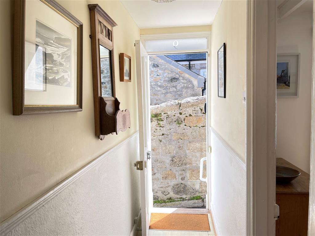 48) 9 Mount Pleasant -  Dining room