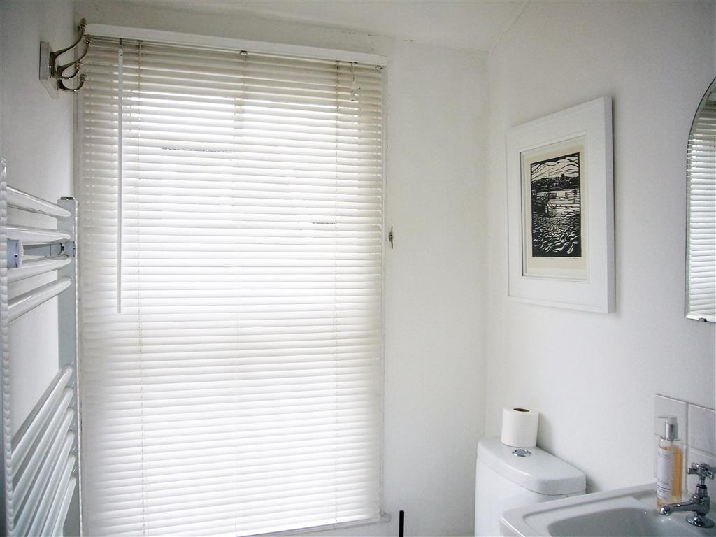 48) 9 Mount Pleasant -  Bathroom