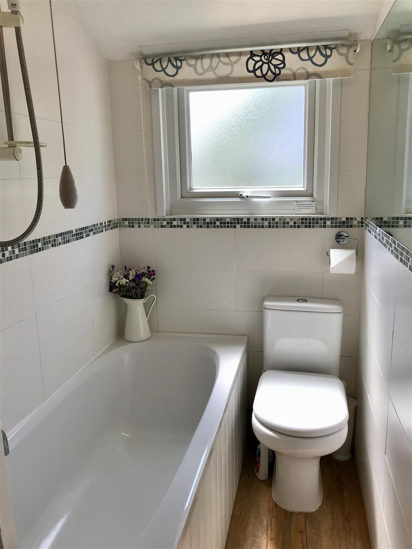 53) Chy Sunny -  Bathroom