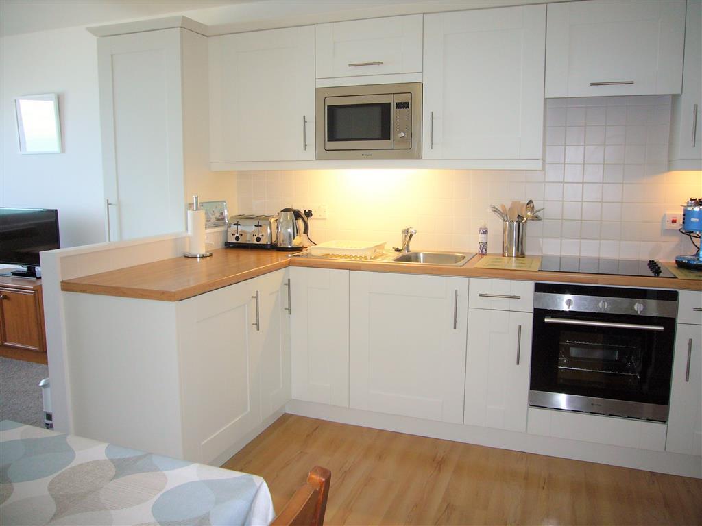 52) 36 Carrack Widden -  Kitchen area