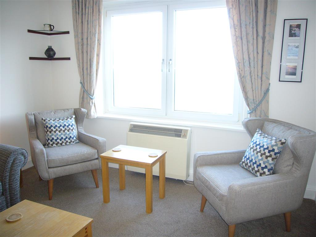52) 36 Carrack Widden -  Sitting area