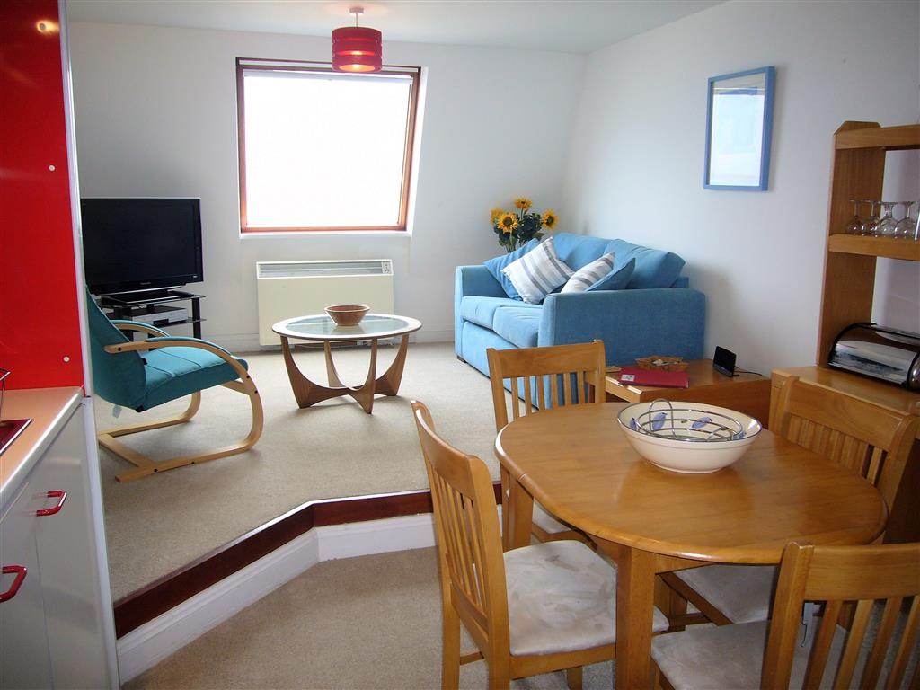 55) 55 Carrack Widden -  Open plan living room