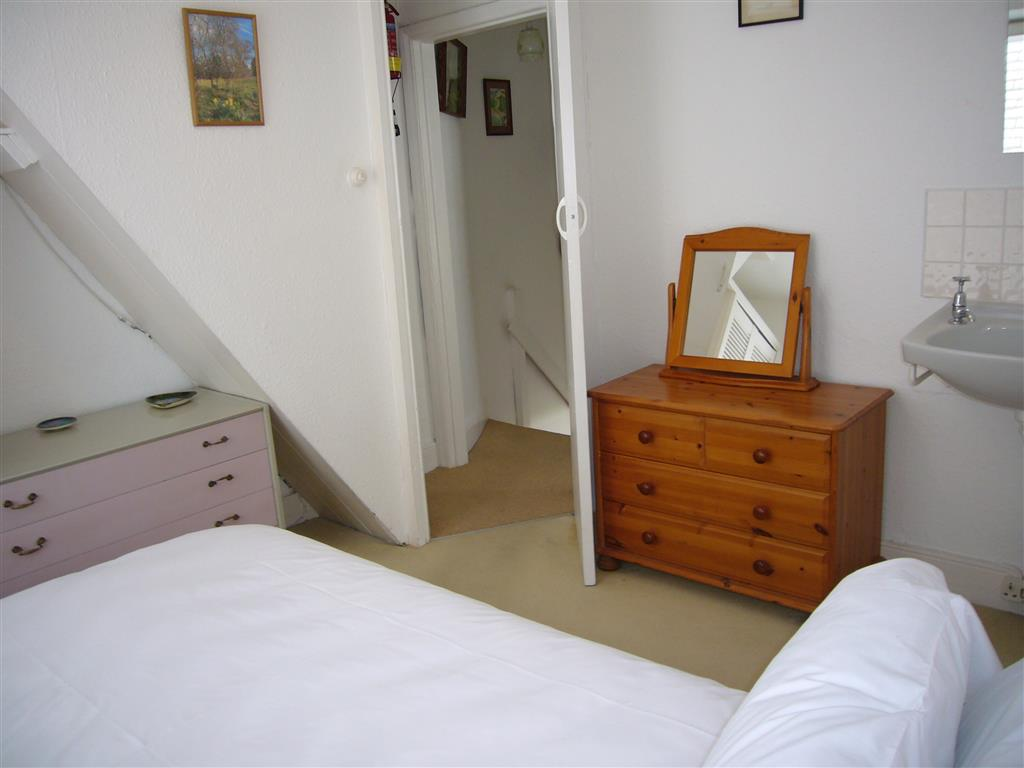 46) Gazelle Cottage -  Bedroom 1