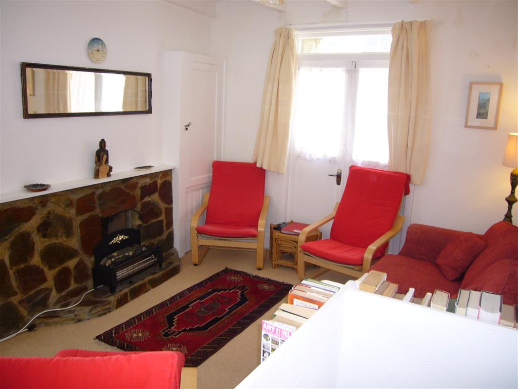 46) Gazelle Cottage -   Sitting room