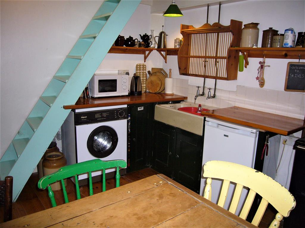57) 3 Love Lane -  Kitchen dining room