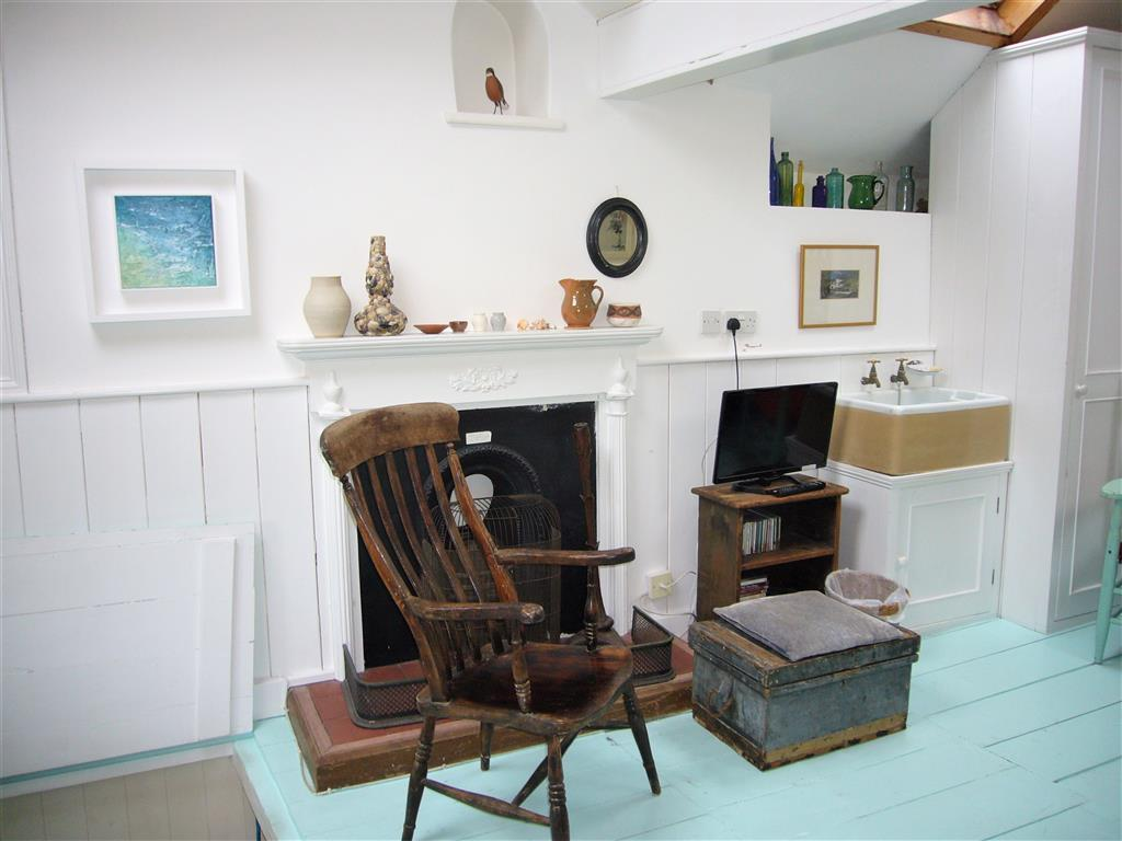 57) 3 Love Lane -  Sitting room
