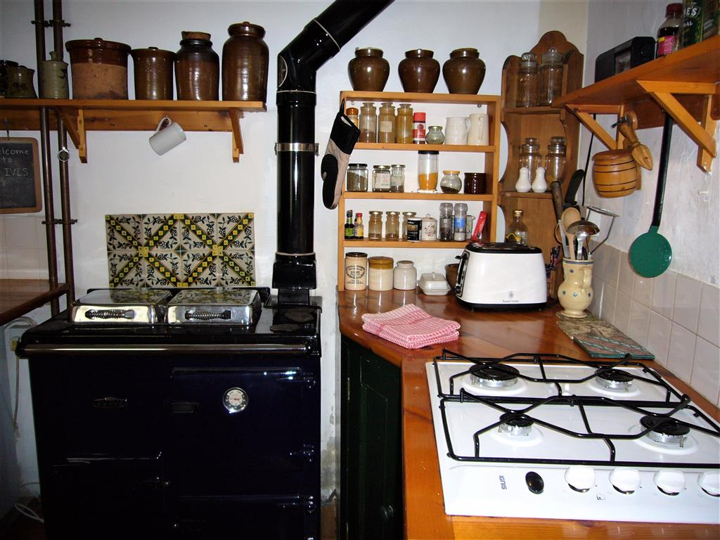 57) 3 Love Lane -  Kitchen area