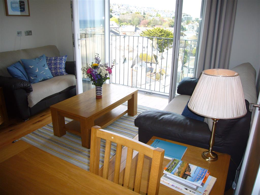 17) Harbour View -  Sitting room
