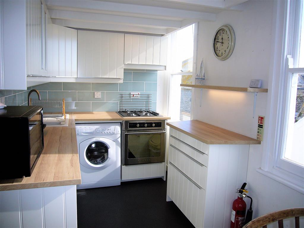 24) 4 Victoria House -  Kitchen area