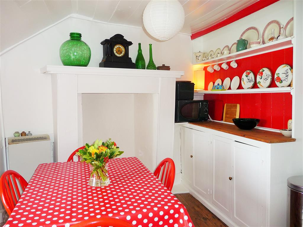 10) Lambeth -  Kitchen