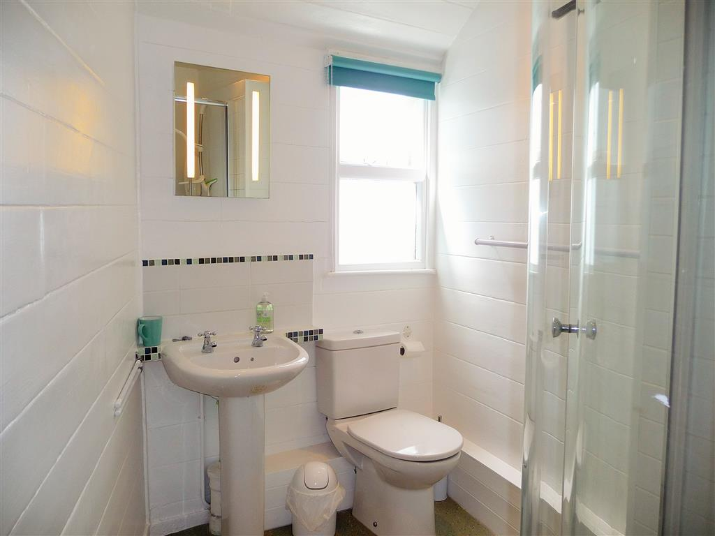 10) Lambeth -  Bathroom