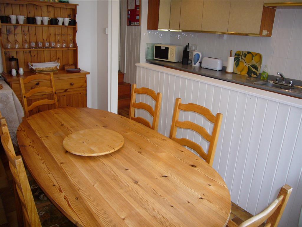 30) Landfall -  Dining area