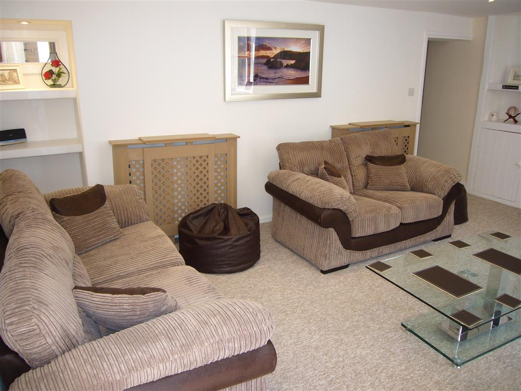 02) Alans Cottage -  Sitting room