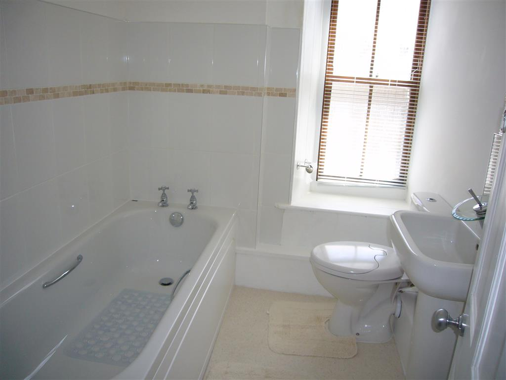 02) Alans Cottage -  Bathroom