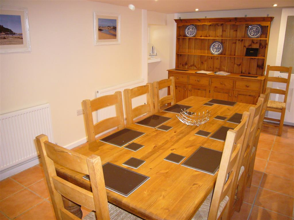 02) Alans Cottage -  Dining room