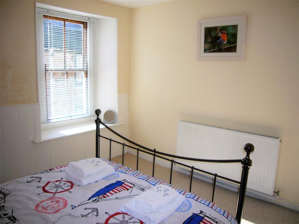 02) Alans Cottage -  Bedroom 1