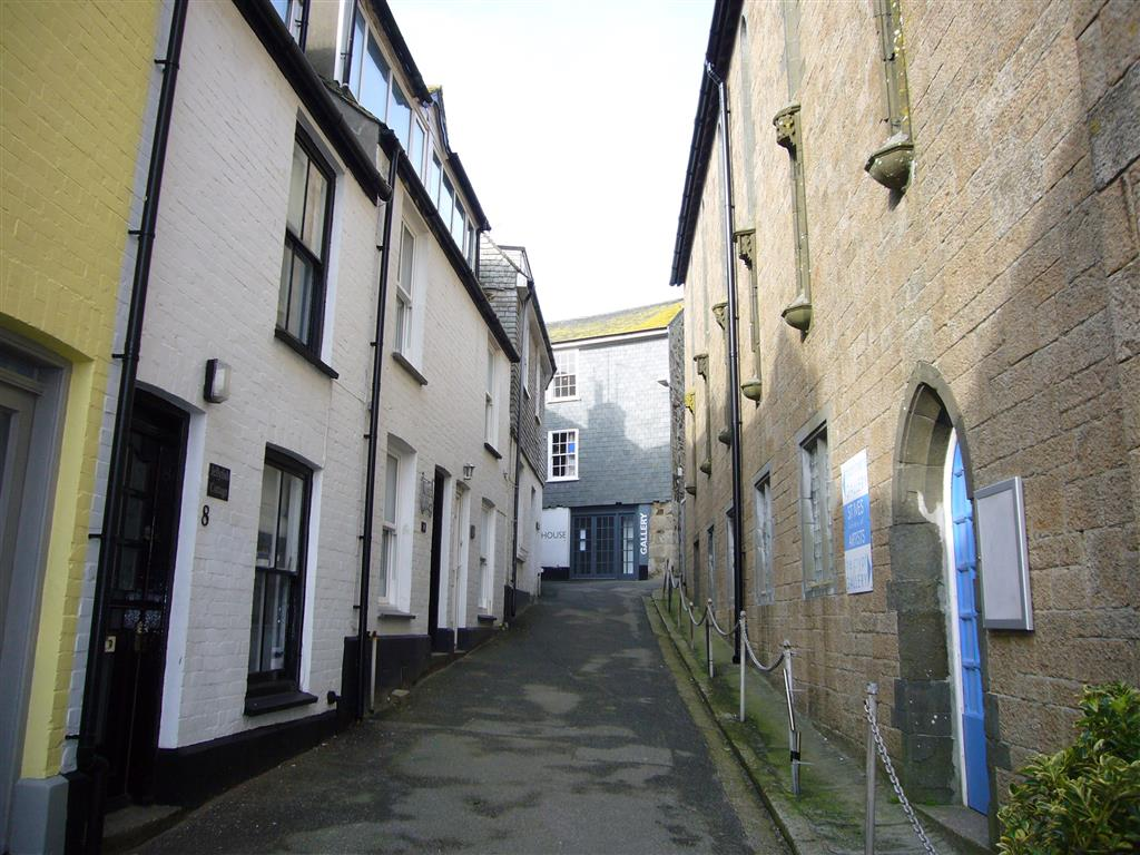 40) Jellyfish Cottage -  Church Place