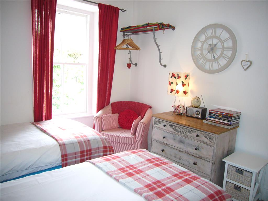 15) Lily House -  Bedroom 2