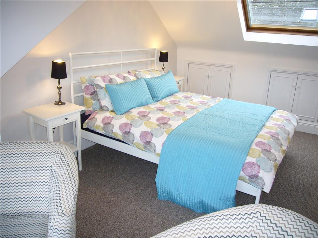 60) 24 Trenwith Place -  Top floor bedroom