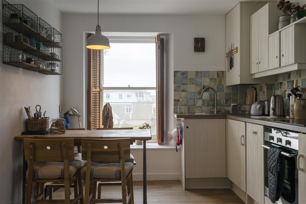 49) 3 Victoria House -  Kitchen and Dining area