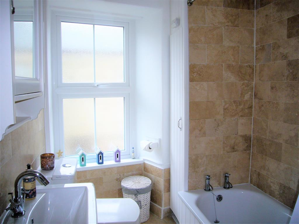 31) Sandy Cove Cottage -  Bathroom