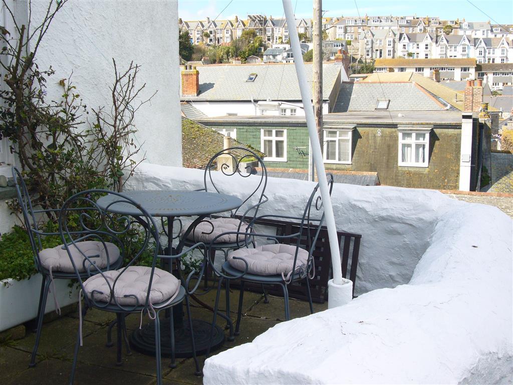 23) 5 Albert Terrace -  Exterior