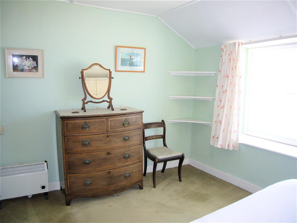 05) 5 Harrys Court -  Bedroom 1