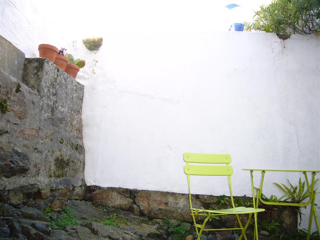 15) Surfs Up -  Courtyard