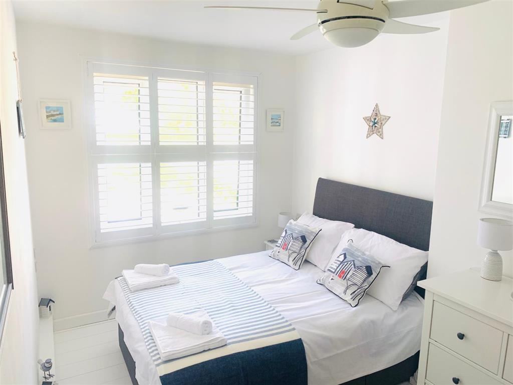 31) 4 Hazelbury House -  Bedroom 1